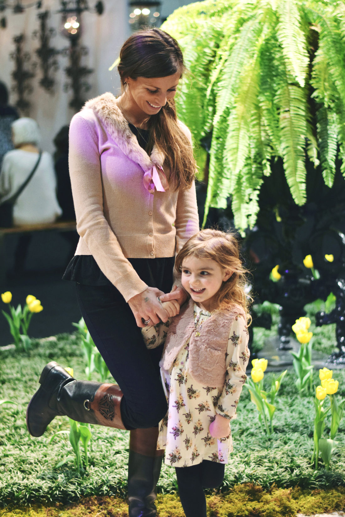 nashville antiques and garden show with my best ladies and tiniest man!