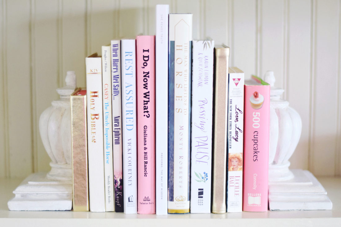 a shabby bookend makeover! [painting and aging using chalk paint]