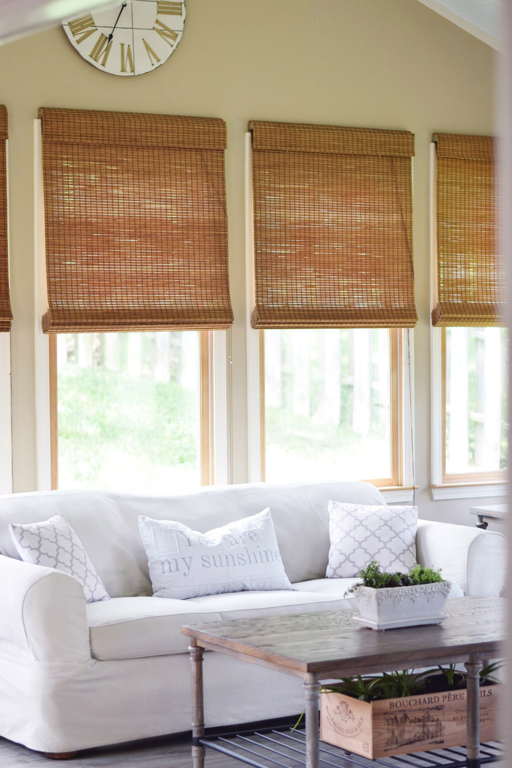 house peeks: our bright and happy sunroom!